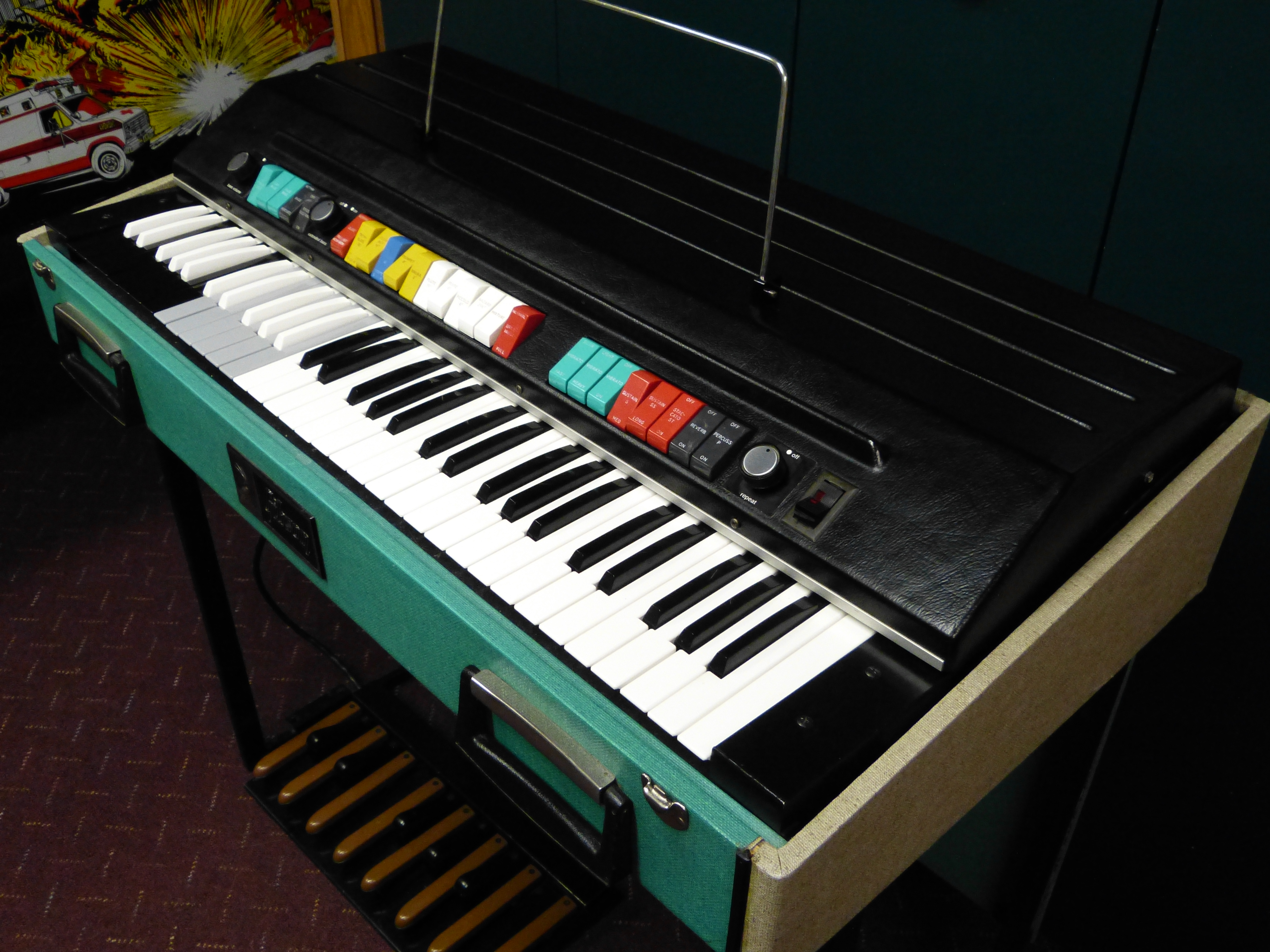 All in all itu0027s a much more versatile instrument than the Continental. But beyond The Doors I canu0027t think of a single other big rock act that used the ... & Gibson G101 combo organ u2013 Vintage Rock Keyboards